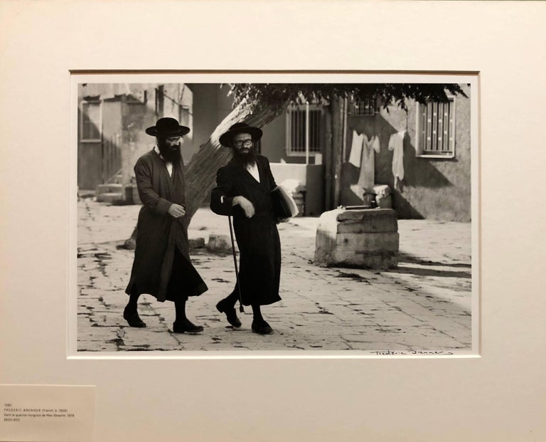 Dans le Quartier Hongrois de Mea Shearim, Jerusalem Vintage Silver Gelatin Print - Brown Black and White Photograph by Frederic Brenner