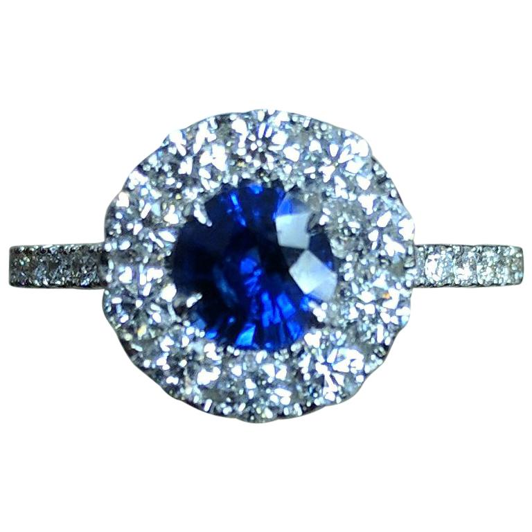 Frederic Sage 0.91 Carat Round Sapphire Diamond Engagement Bridal Cocktail Ring For Sale