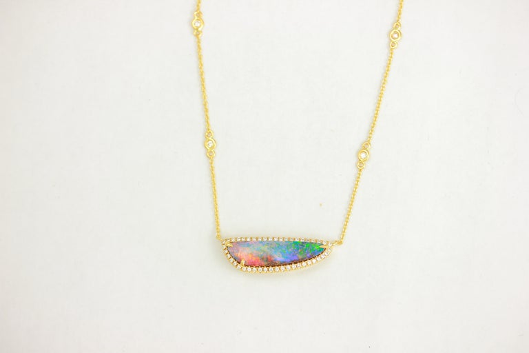 18K YG FREE-FORM AUSTRALIAN BLACK OPAL WITH DIA HALO OAK PENDANT WITH ATTACHED DIAMOND CHAIN, OPAL 3.14 CT, 6 DIA 0.12 CT, 45 DIA 0.23 Carats