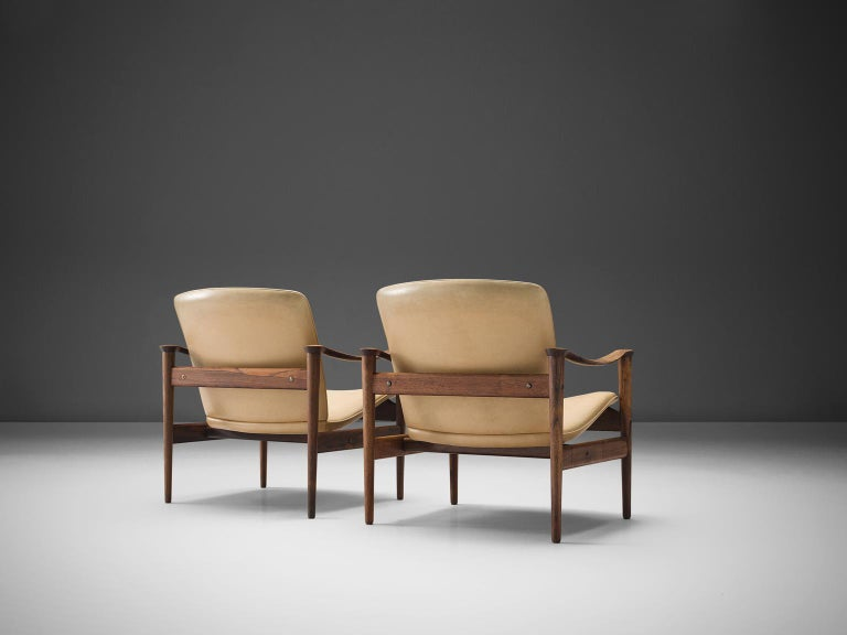 Norwegian Fredrik A. Kayser Armchairs Model 711 in Original Leather For Sale