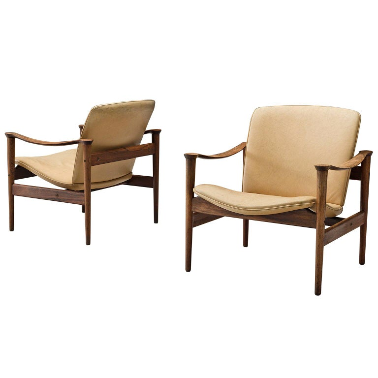 Fredrik A. Kayser Armchairs Model 711 in Original Leather For Sale