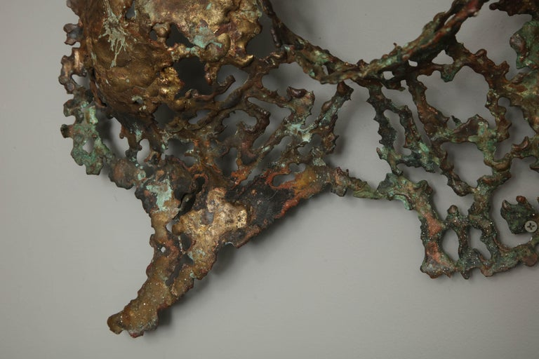 Free-Form Brutalist Wall Sculpture in Unlacquered Brass For Sale 6
