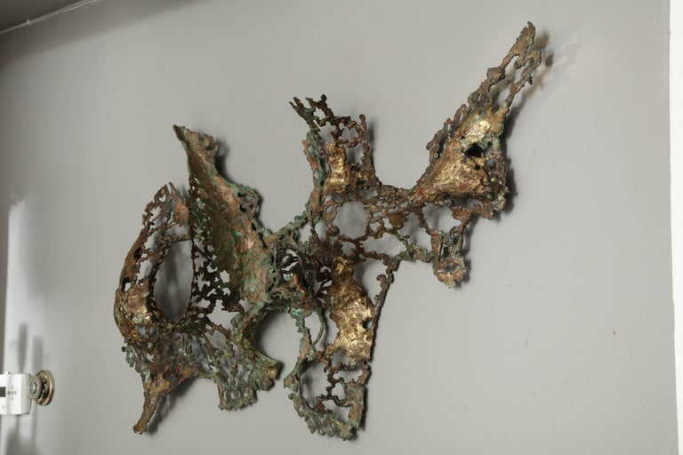 Free-Form Brutalist Wall Sculpture in Unlacquered Brass For Sale 1