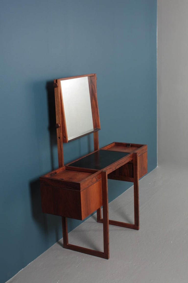 Free Standing Midcentury Vanity in Rosewood, Made in Denmark, 1960s For Sale 5