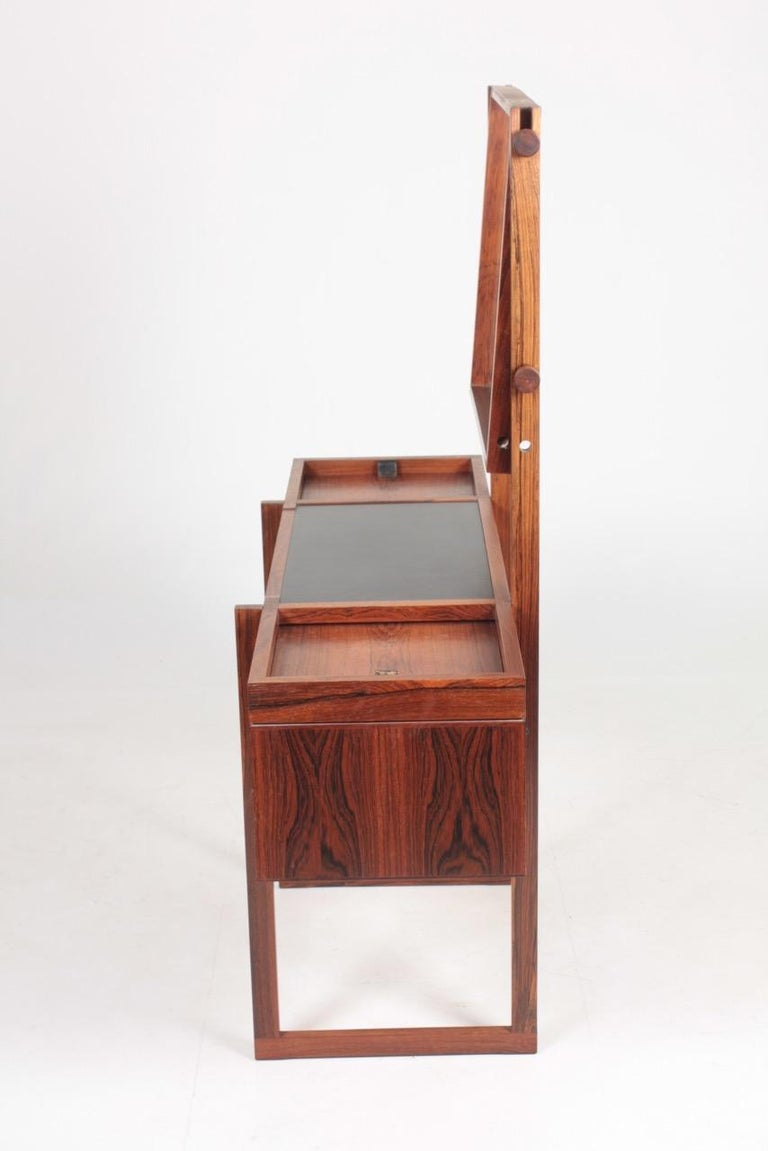 Free Standing Midcentury Vanity in Rosewood, Made in Denmark, 1960s For Sale 2