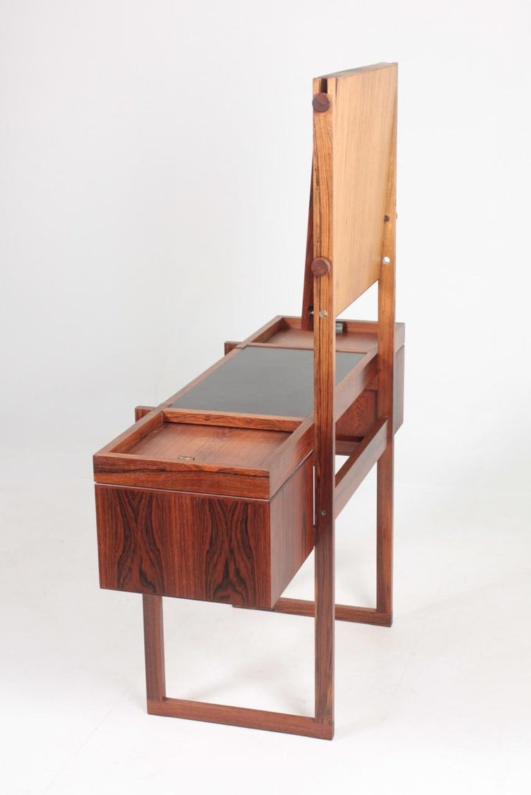 Free Standing Midcentury Vanity in Rosewood, Made in Denmark, 1960s For Sale 3