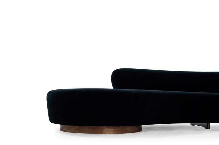 Serpentine Sofa by Vladimir Kagan in Navy Blue Mohair For Sale 4
