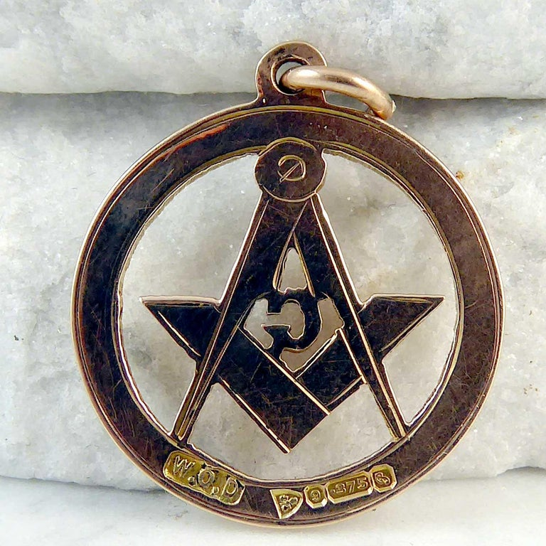 George V Freemasons' Gold Fob, Hallmarked Chester, 1915 For Sale