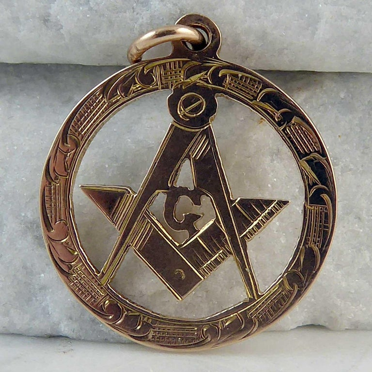 Freemasons' Gold Fob, Hallmarked Chester, 1915 In Excellent Condition For Sale In Yorkshire, West Yorkshire