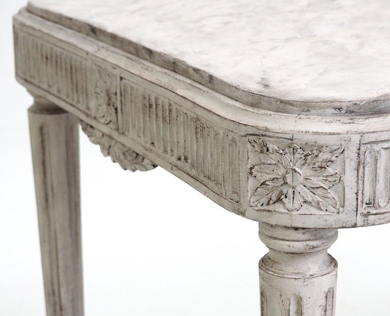 Freestanding Gustavian Style Console Table In Good Condition For Sale In Aalsgaarde, DK