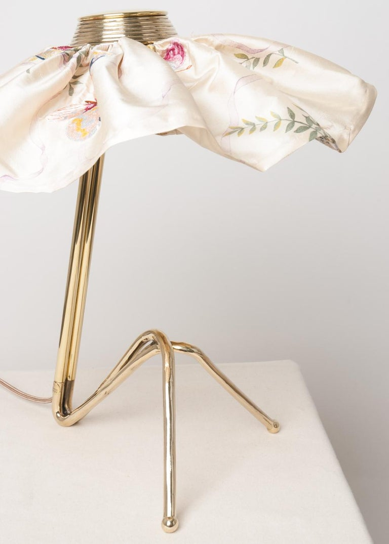 This table lamp is a contemporary piece, made entirely by hand in Tuscany Italy, 100% of Italian origin.  The piece highlights femininity and décorates with character, with its clean lines and beautiful attention paid to the details, this piece