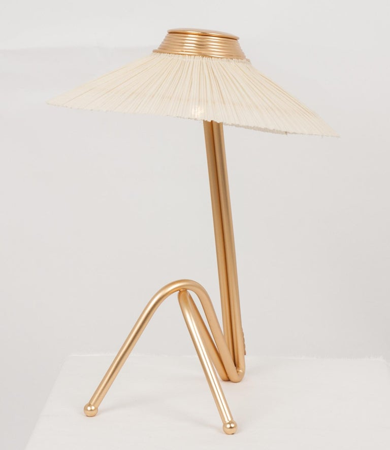 Freevolle Sculpture Table Lamp, Handmade Brass Body, Ivory Linen In New Condition For Sale In Pietrasanta, IT