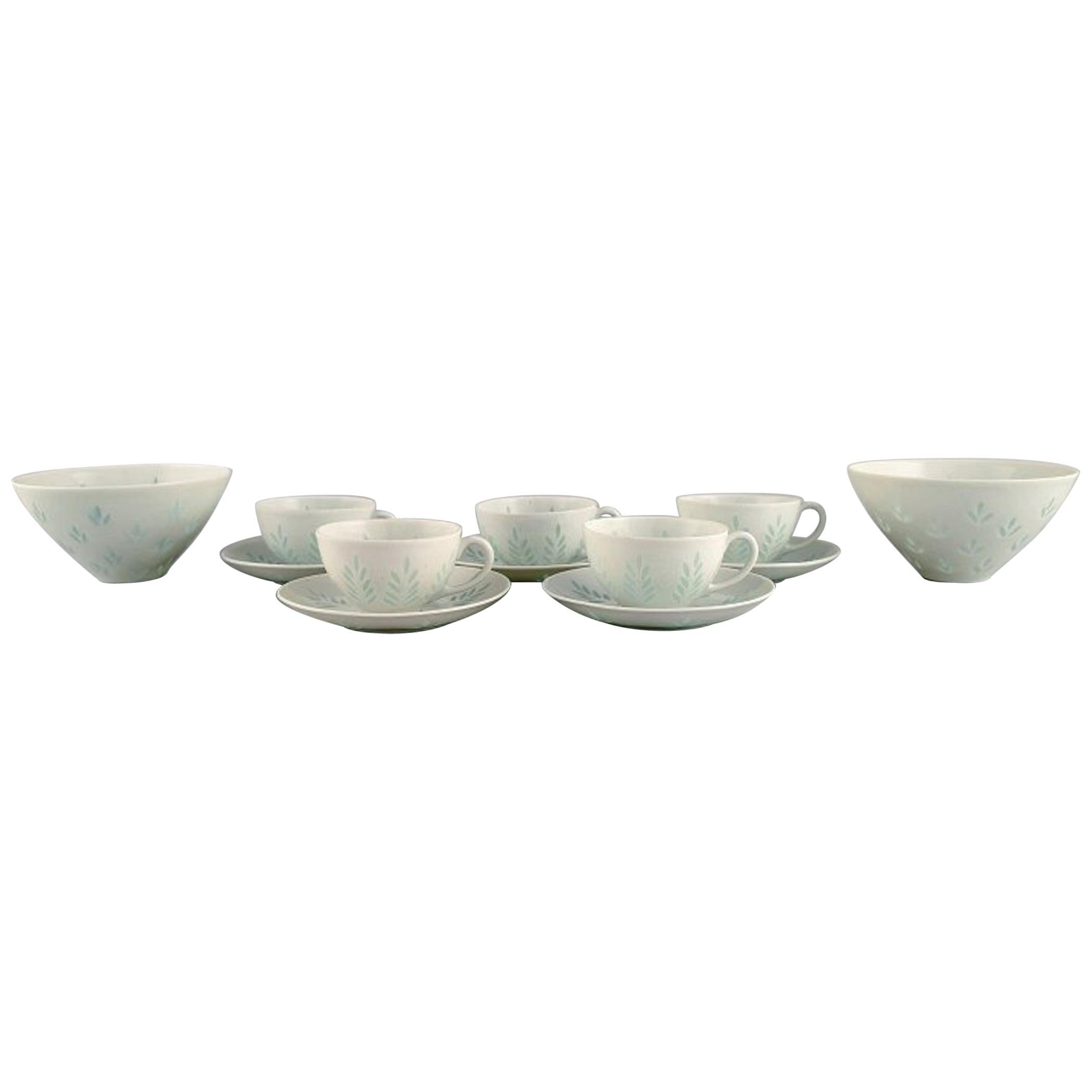 Freidl Holzer Kjellberg for Arabia, Five Coffee Cups with Saucers and Two Bowls