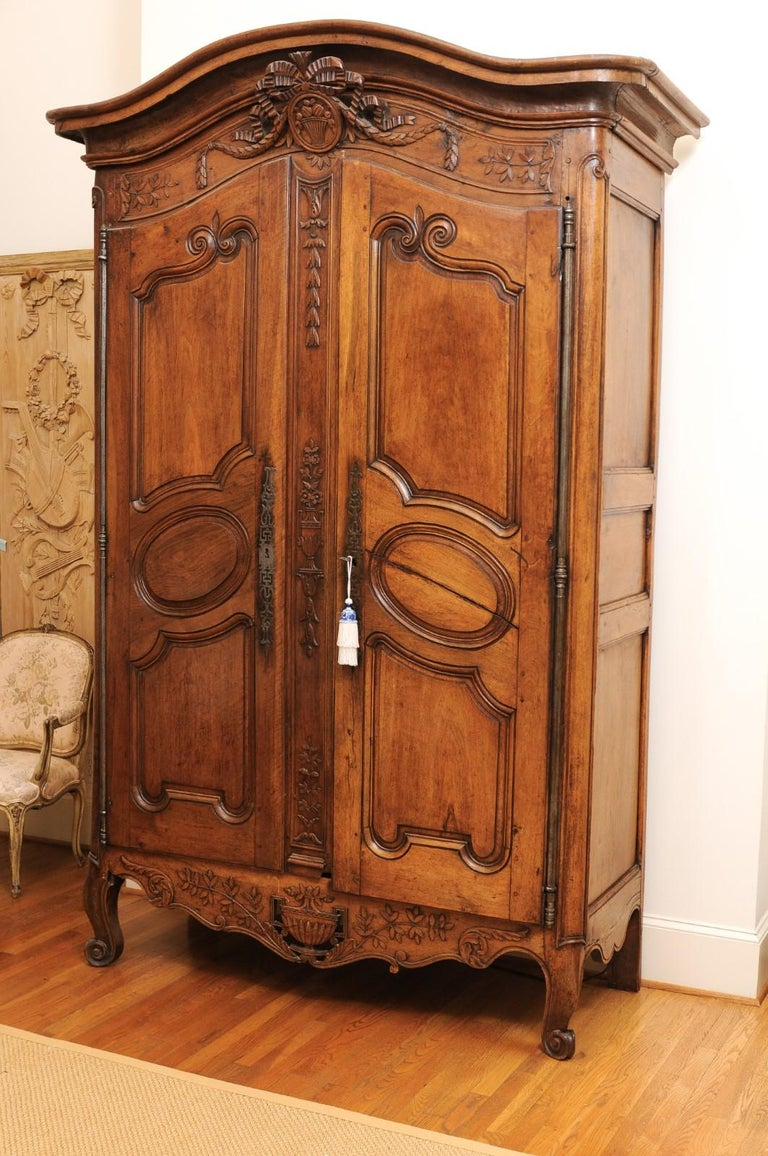 French 1740s Louis XV Walnut Armoire from Nice, with Hand Carved Foliage Décor For Sale 6