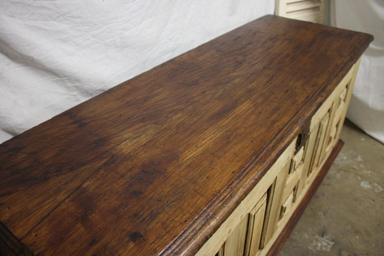 French 17th Century Desk For Sale 6