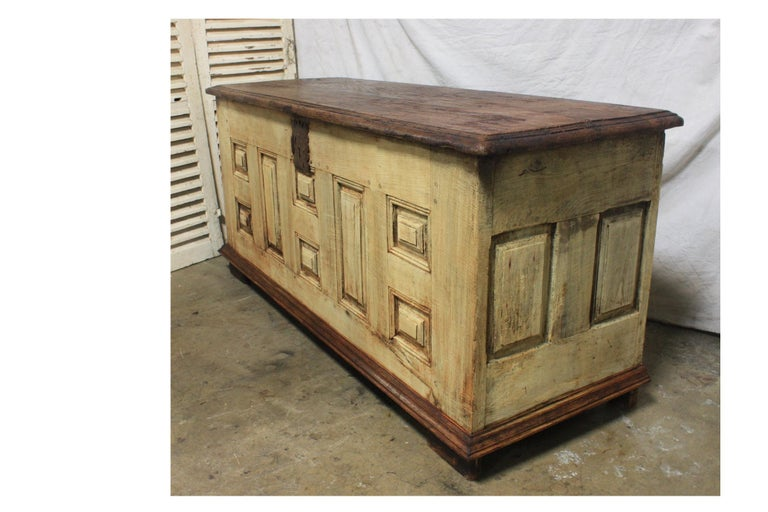 French 17th Century Desk In Good Condition For Sale In Atlanta, GA