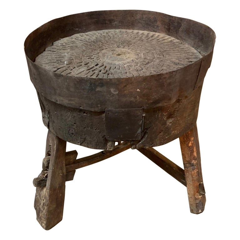 French 17th Century Moulin, Grain Grinding Billot For Sale