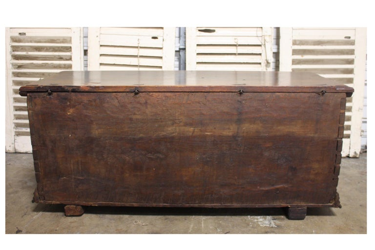 French 17th Century Trunk or Blanket Chest For Sale 5