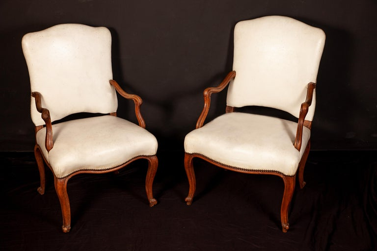 French, 18th Century Dining Room Six Chairs and Two Armchairs, 1760 In Good Condition For Sale In Rome, IT