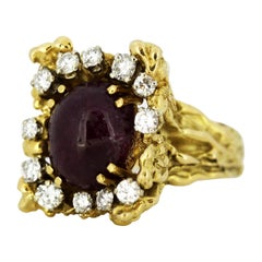 French 18 Karat Gold Ladies Ring with Natural Cabochon Ruby and Diamonds, 1940s