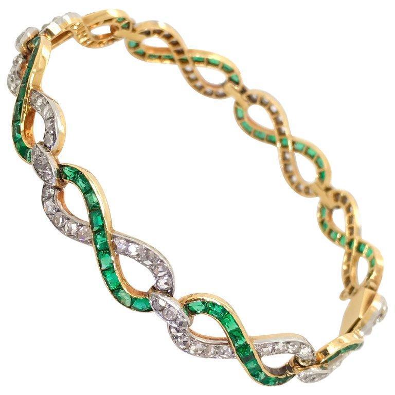 French 18 Karat Yellow Gold Emerald & Diamond Link Bracelet For Sale 5