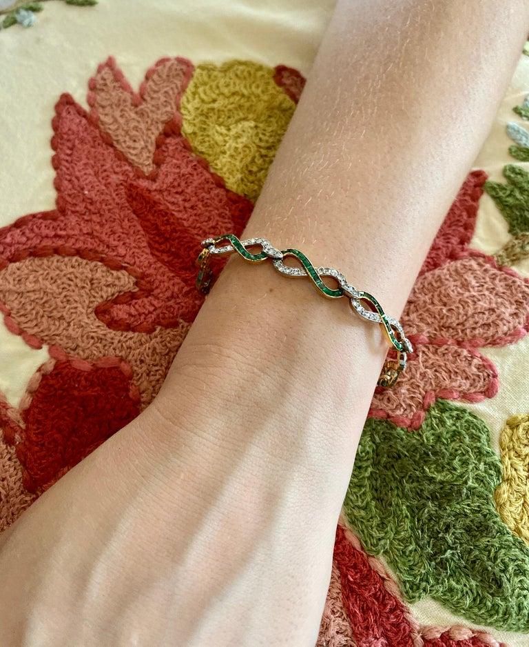 French 18 Karat Yellow Gold Emerald & Diamond Link Bracelet For Sale 6