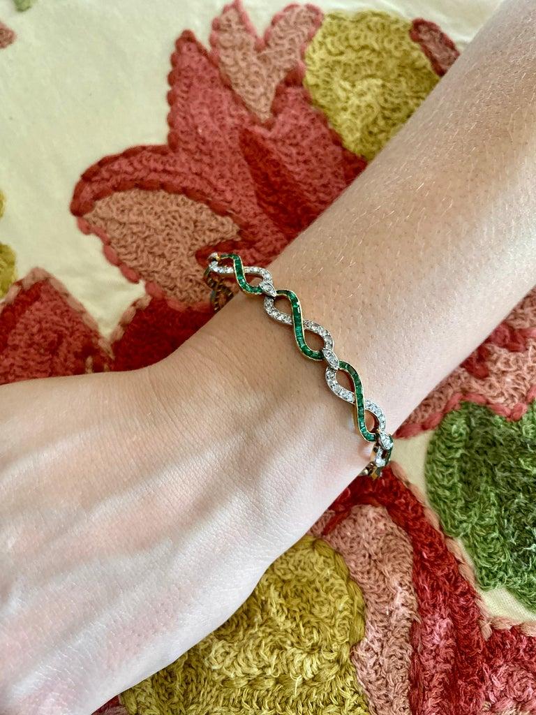 French 18 Karat Yellow Gold Emerald & Diamond Link Bracelet For Sale 8