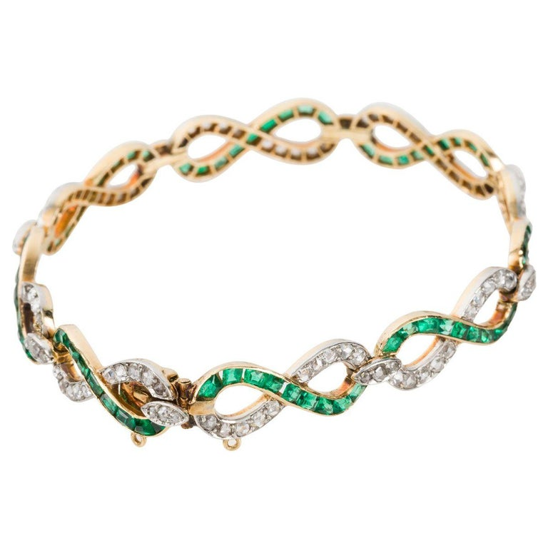 French 18 Karat Yellow Gold Emerald & Diamond Link Bracelet In Good Condition For Sale In QLD , AU