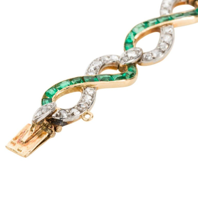 French 18 Karat Yellow Gold Emerald & Diamond Link Bracelet For Sale 2