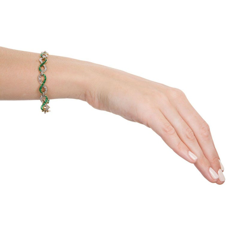 French 18 Karat Yellow Gold Emerald & Diamond Link Bracelet For Sale 3