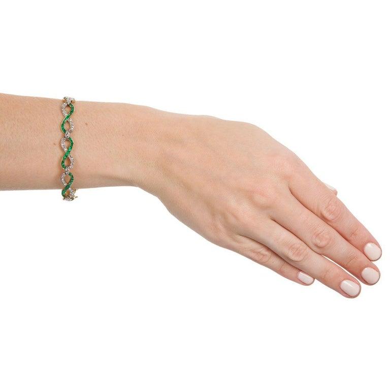 French 18 Karat Yellow Gold Emerald & Diamond Link Bracelet For Sale 4