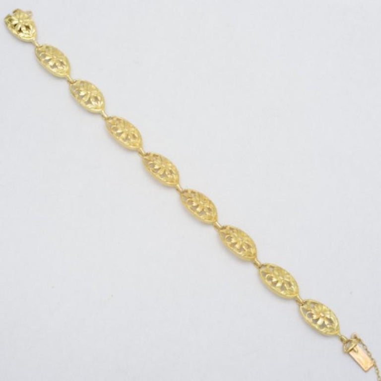 French 18 Karat Yellow Gold Link Bracelet In Excellent Condition In Greenwich, CT