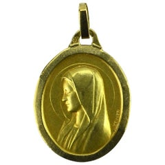 French 18 Karat Yellow Gold Monier Virgin Mary Oval Charm Pendant Medal