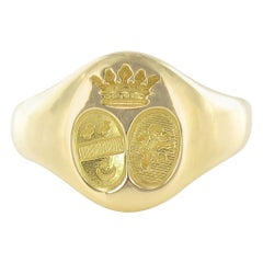 French 18 Karat Yellow Gold Women Arms Signet Ring