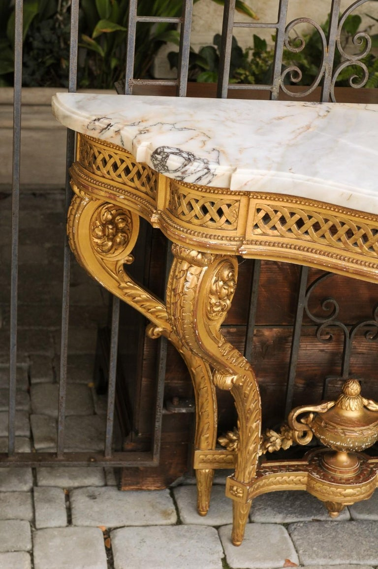 French 1820s Restauration Period Carved Giltwood Console Table with Marble Top 10