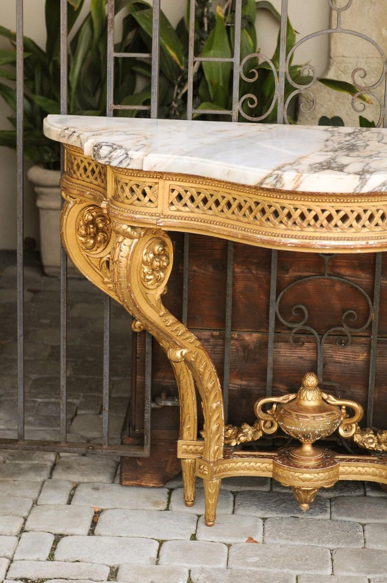 French 1820s Restauration Period Carved Giltwood Console Table with Marble Top 4