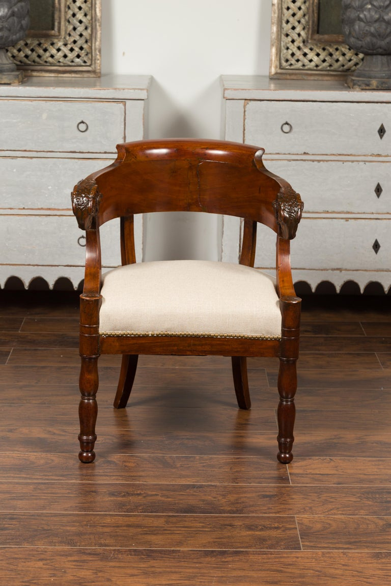 French 1830s Restauration Period Mahogany Armchair with Carved Rams' Heads In Good Condition For Sale In Atlanta, GA
