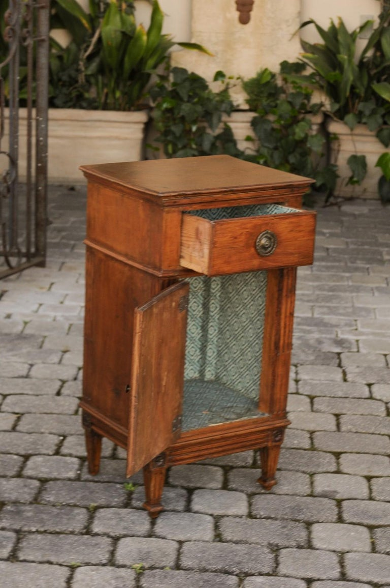 86486ae0bd French 1840s Louis-Philippe Walnut Bedside Cabinet with Single Drawer and  Door For Sale 1