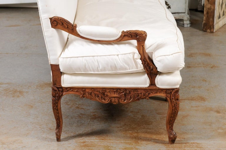 French 1850s Régence Style Three-Seat Canapé with Carved Shells and Upholstery For Sale 5