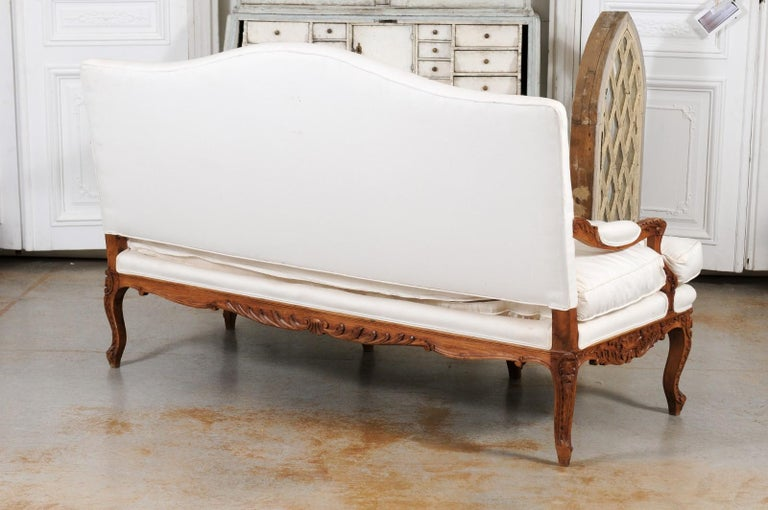 French 1850s Régence Style Three-Seat Canapé with Carved Shells and Upholstery For Sale 6
