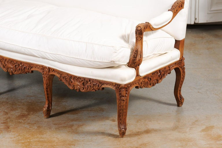 French 1850s Régence Style Three-Seat Canapé with Carved Shells and Upholstery For Sale 12