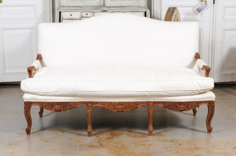 French 1850s Régence Style Three-Seat Canapé with Carved Shells and Upholstery For Sale 13
