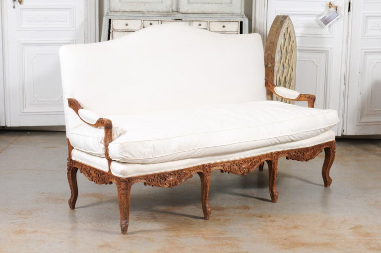 French 1850s Régence Style Three-Seat Canapé with Carved Shells and Upholstery For Sale 3