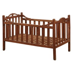 French 1860s Napoléon III Period Cherry Wood Crib with Carved Scrolling Accents