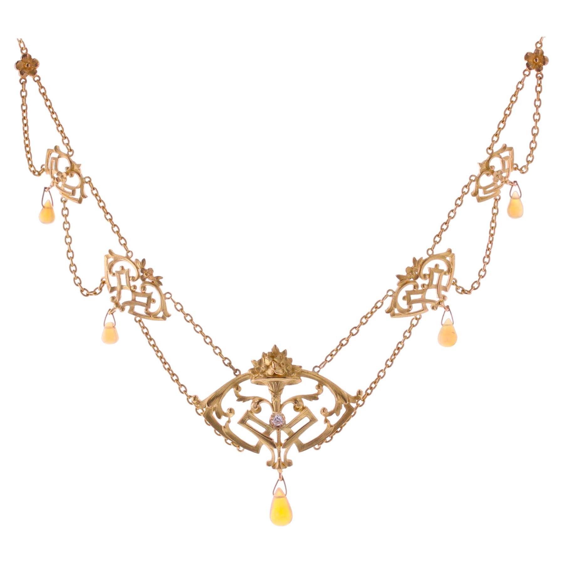 French 1890s Art Nouveau Opal Diamond 18 Karat Yellow Gold Necklace