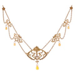 French 1890s Art Nouveau Opal Diamond 18 Karat Yellow Gold Necklace