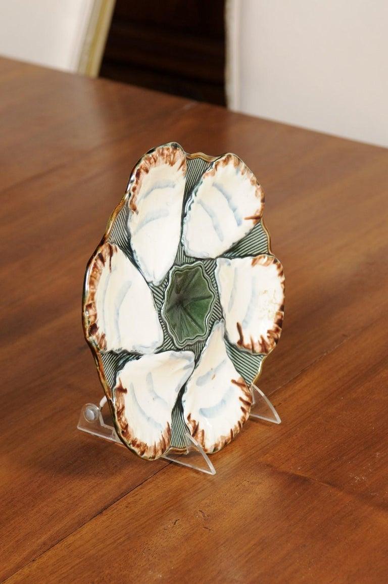 French 1890s Glazed Majolica Longchamp Terre de Fer Oyster Plate with Flower For Sale 2