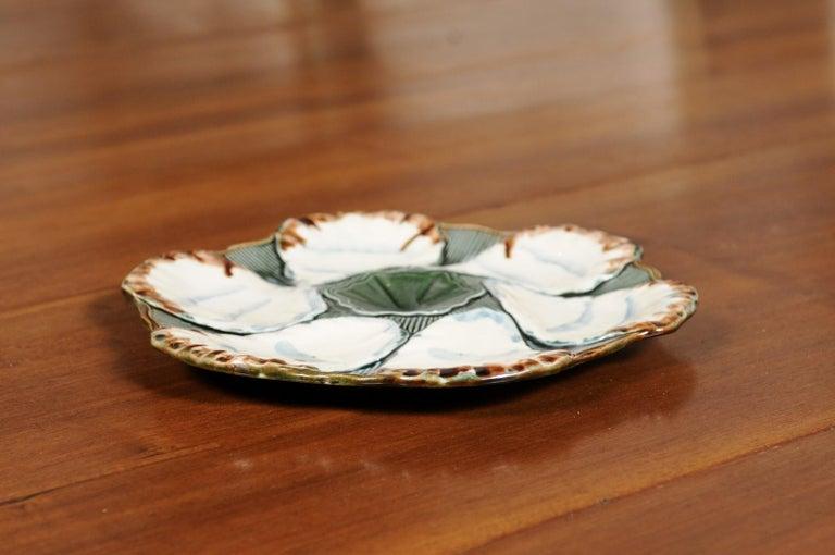 French 1890s Glazed Majolica Longchamp Terre de Fer Oyster Plate with Flower For Sale 4