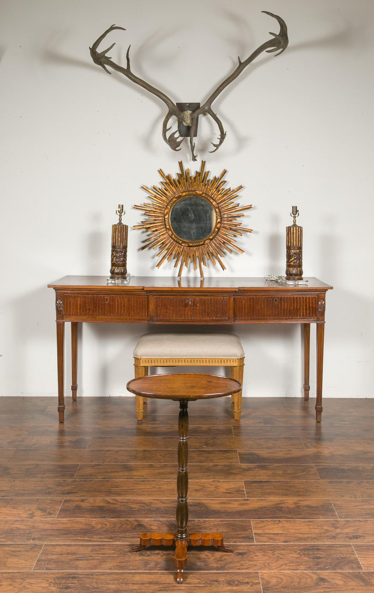 French 1890s Oval Top Walnut Guéridon Side Table with Turned Pedestal Base In Good Condition For Sale In Atlanta, GA