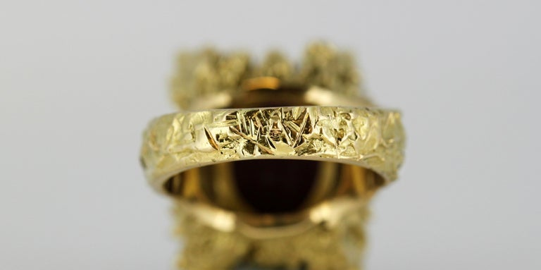 French 18 Karat Gold Ladies Ring with Natural Cabochon Ruby and Diamonds, 1940s For Sale 9